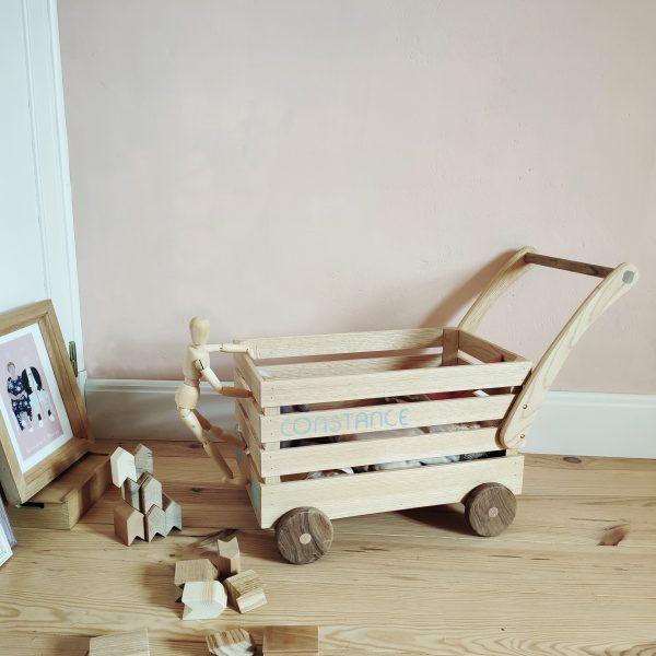 chariot-a-roulette-pour-enfant-en-bois-la-fabrique-pluriel